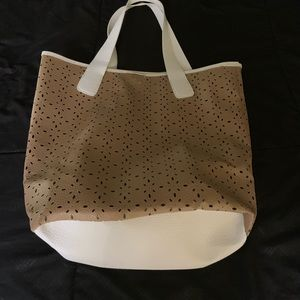 Great tote bag for diapers or the beach!